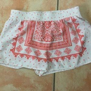SWEET WANDERER White/Peach Silky Poly Shorts Sz L